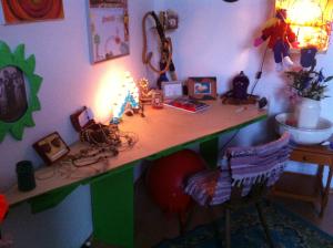 DIY triangular pallet table, pt.2 - Pallet Furniture : Pallet ...