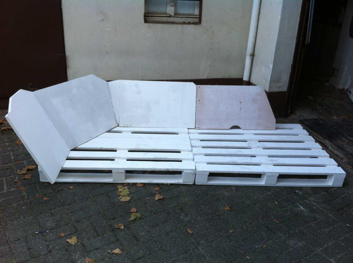 pallet sofa core structure front 3 Как своими руками сделать диван из поддонов? %d0%bc%d0%b5%d0%b1%d0%b5%d0%bb%d1%8c poddon palletyi