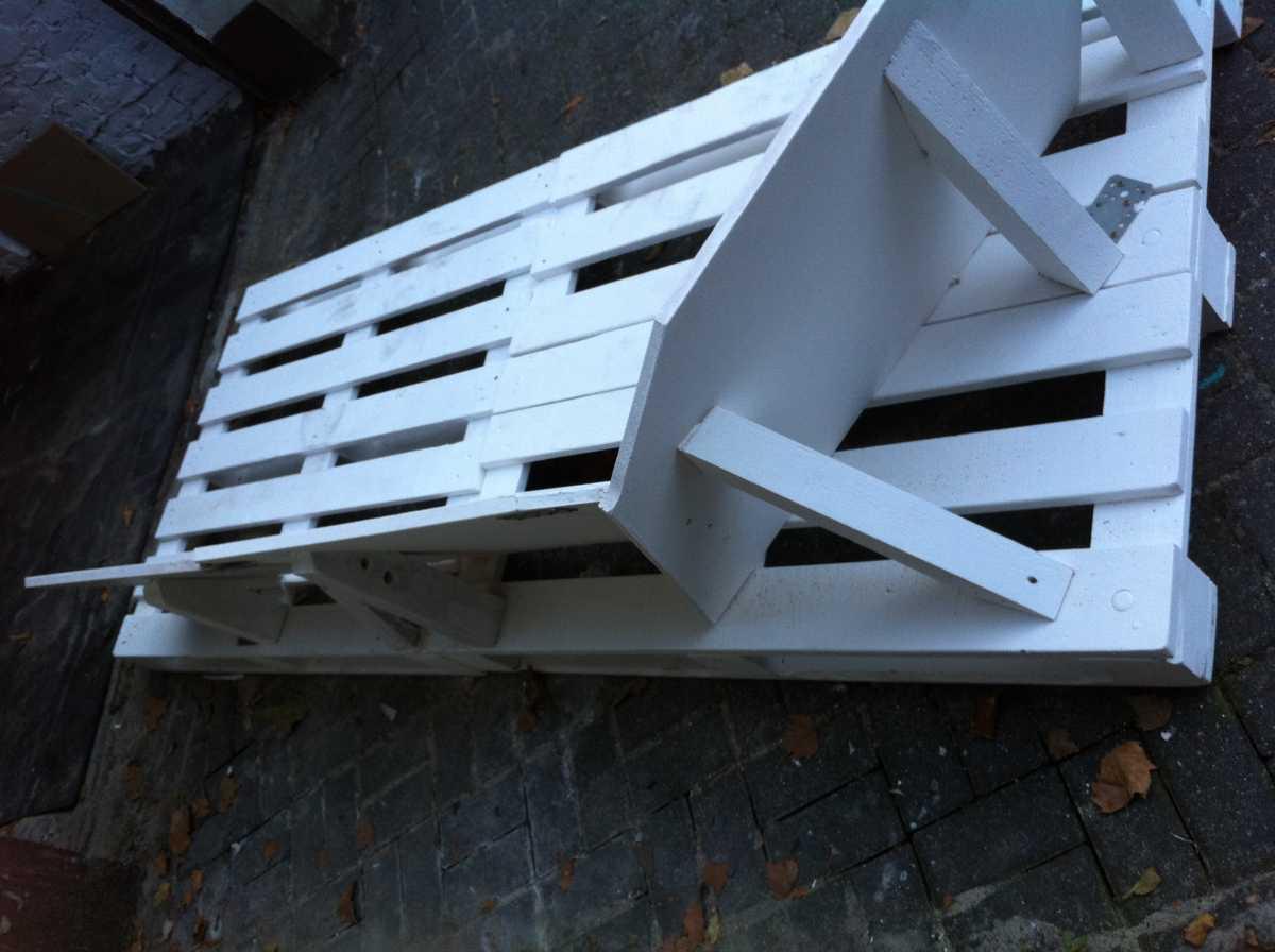 pallet sofa core structure rear 1 Как своими руками сделать диван из поддонов? %d0%bc%d0%b5%d0%b1%d0%b5%d0%bb%d1%8c poddon palletyi