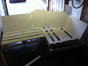 Pallet sofa corner part with sofa legs and backrest