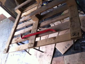 Removing superfluous bars from the pallet - crowbar action