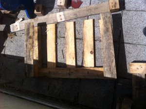 Foot section of garden chair pallets: Step 1