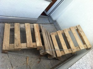 DIY pallet chair, comparison with (preliminary) temporary chain wiring