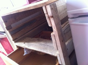 DIY kitchen cabinet with drawers: Top rail and work area