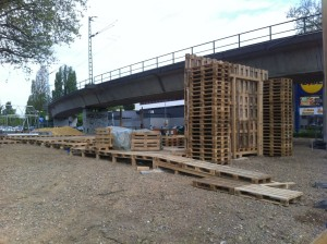 Pallet stage, Bochum - Back