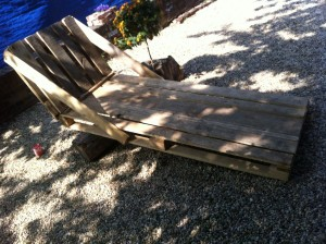 Garden deck chair from pallets, single-seater in a fixed design, untreated