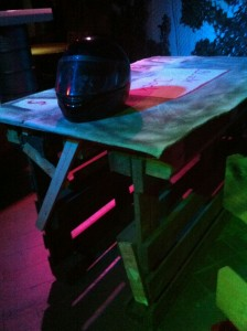 Bar table made of euro pallets - rustic, rugged and illuminated, Gran Paradiso