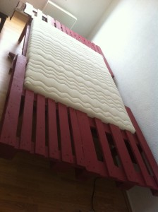Pallet bed, with 1.40m wide mattress