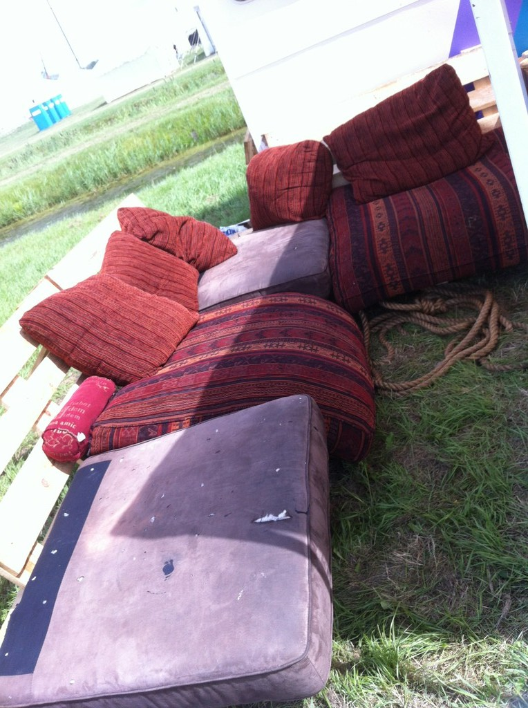 Pallet Camping Bench Outdoor Pallet Furniture At Ohm2013 Pallet Furniture Pallet Furniture