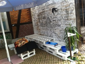 Outdoor pallet bench, uncushioned - Wuppertal, Utopiastadt