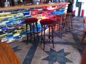 Bar counter made of books, Utopiastadt