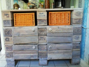Pallet cabinet with doorknobs