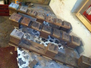 Tripod legs, sawn pallet elements