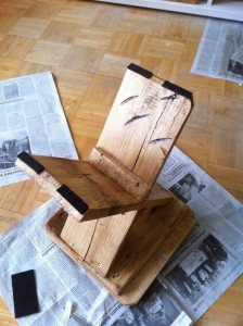 Wooden stool, felt pad assembly