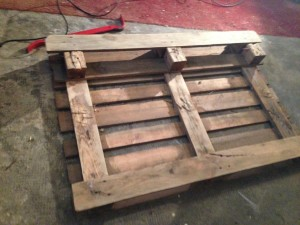 Pallet, middle foot removed