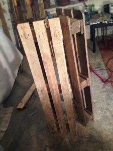 Halved pallet for windlight cabinet