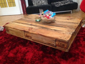 Coffee table made of Euro pallets, nearly finished