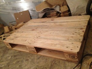 Pallet coffee table, shell