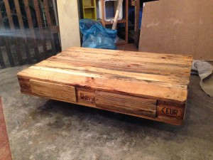 Pallet table, complete linseed oil finish