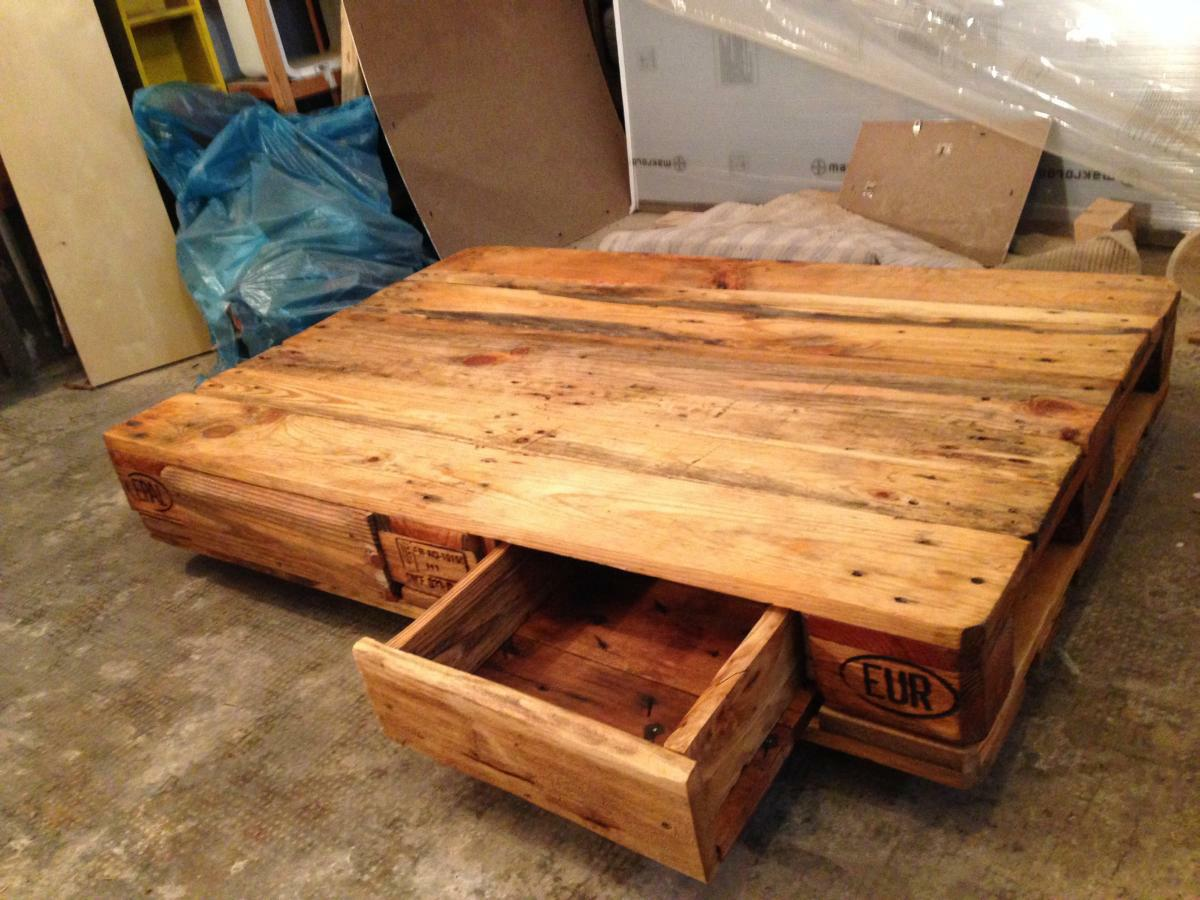 Coffee Table, Varnished, Open Drawer