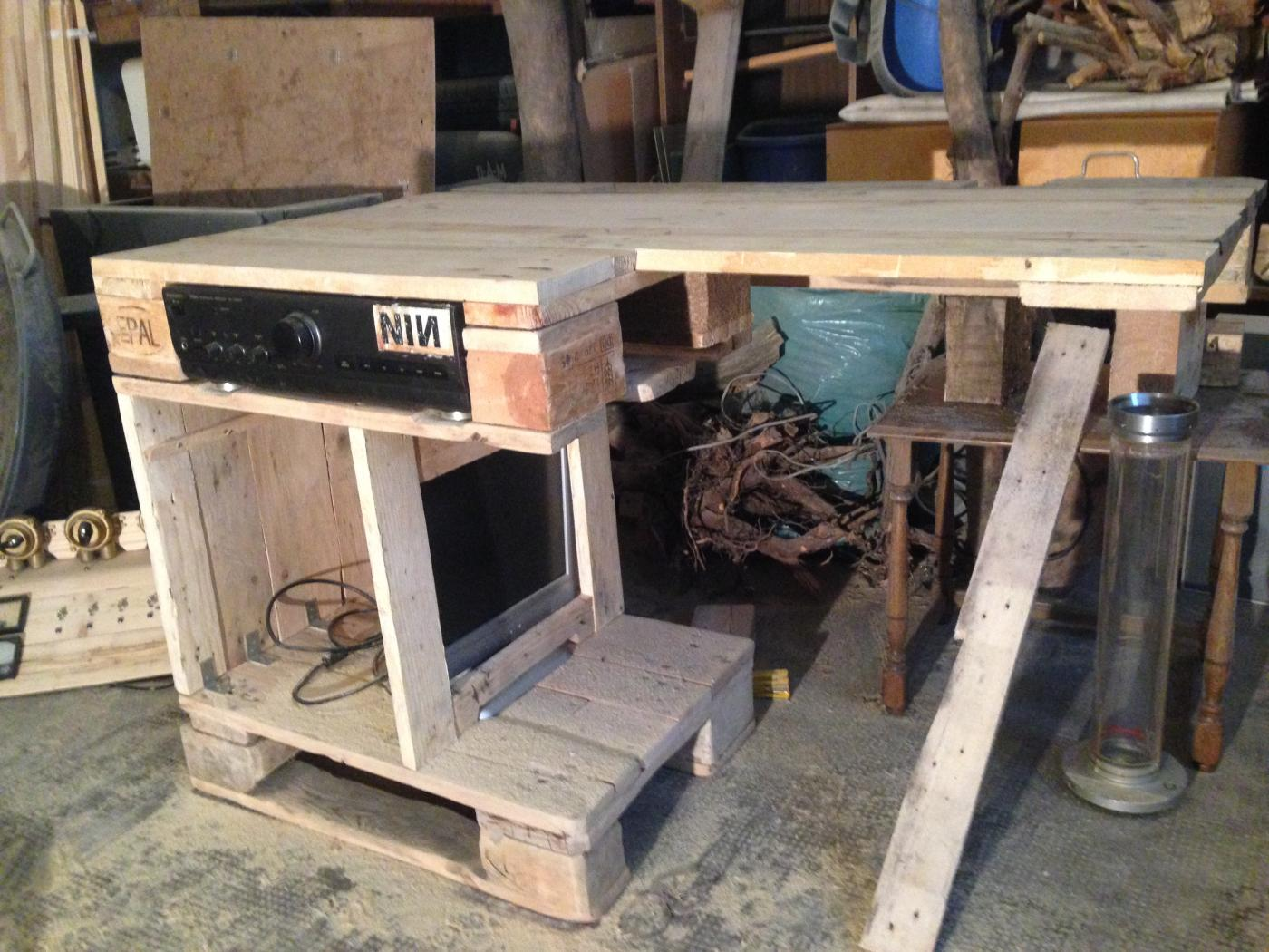 Desktop With Amplifier In The Upper Cabinet Part Pallet Furniture