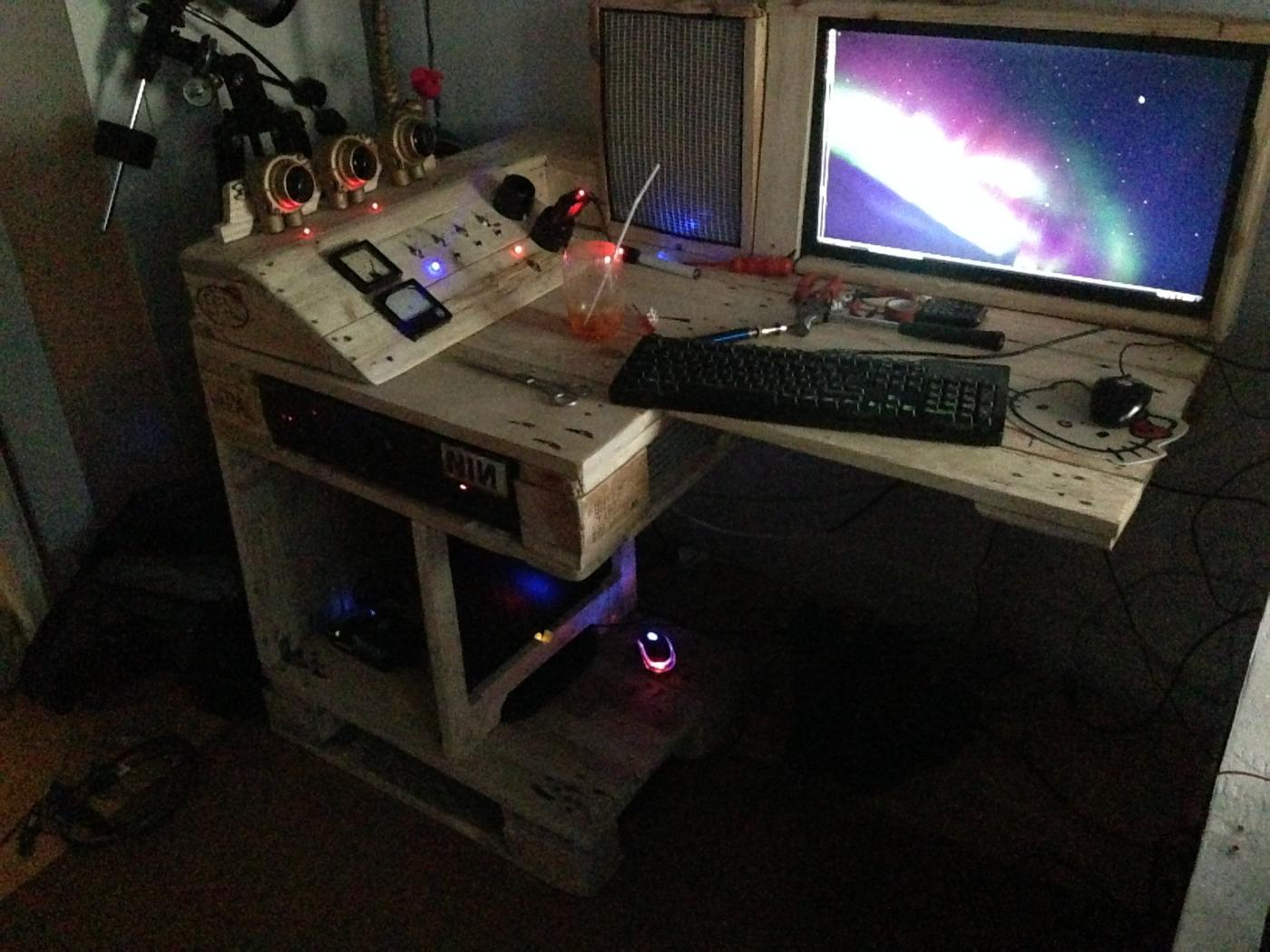 Steampunk pallet desk (with server) part 1   pallet furniture ...