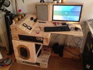 Steampunk desk completed with Tor server, Part 1