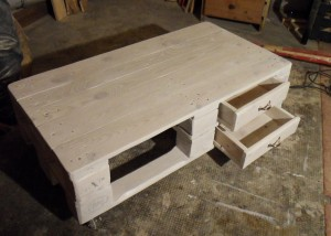 Pallet table with open drawers, mounted drawer handles