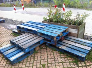 Permutable pallet benchs at Utopiastadt
