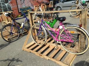 Pallet biycle stand, temporary installation, Utopiastadt